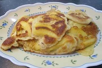 Apfelpfannkuchen (Panqueques de manzana)