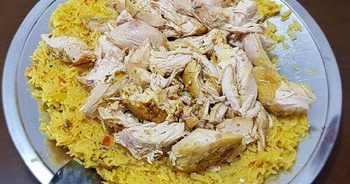 Kapsa (Pollo y arroz)